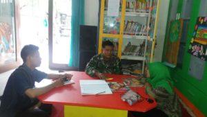 Babinsa Ramil Bubutan Komsos Dengan Petugas Perpustakaan Kota Surabaya