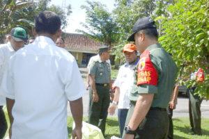 Kasrem 081DSJ Dampingi Dirjen PSP Kementan Tinjau Panen  Padi Di Pilangkenceng Kabupaten Madiun 2