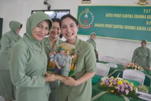 Kunker Ketua Persit KCK Koorcab Rem 081 di Tulungagung  (7)