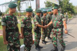 Mayor Jendral TNI Kanif Warsito Berpamitan Kepada Anggota  Yonif Para Reider 501BY (1)