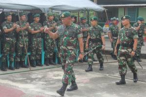 Mayor Jendral TNI Kanif Warsito Berpamitan Kepada Anggota  Yonif Para Reider 501BY (2)