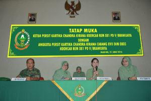 Pengarahan Ketua Persit KCK Koorcab Rem 081 PD VBrawijaya    Dalam Tatap Dengan Anggota Persit KCK Cabang XVII Kodim 0803Madiun   (5)