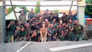 28 US NAVI DAN TNI AL MASIH LANJUTKAN PEMBANGUNAN SEKOLAH  (3)