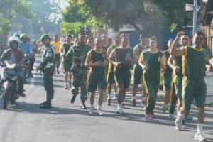 Anggota Makorem 081DSJ Dan Satdisjan Wilayah Madiun Jaga  Stamina Dengan Lari Aerobic (3)