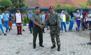 Babinsa Koramil  Krembangan Latih PBB di SMA Hangtuah 1 Surabaya (2)