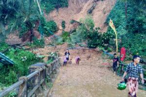 Tanah longsor Dan Banjir Di Kecamatan Munjungan  Trenggalek. 7