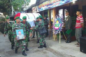 Upacara Pemakaman Secara Militer Anggota Kodim 0804Magetan  (6)