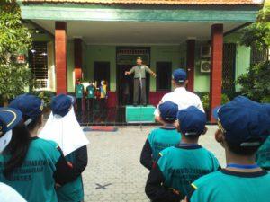 Wadanramil Krembangan Bekali Materi Wasbang Pada Murid Baru SMPN 2 Surabaya 1