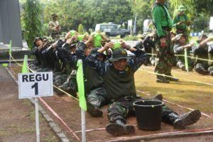 05 PANGARMATIM TEMBUS DELAPAN RINTANGAN OUTBOND TNI AL   (3)