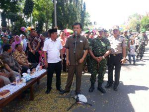 1. HUT RI ke 71, Dandim dan Bupati Bangkalan Bupati Lepas Pawai Karnaval
