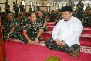 10 ISLAM MENGAJARKAN MENGHORMATI KEPADA SESAMA (2)