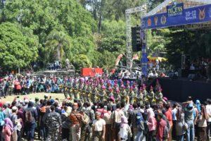 12 STAND TNI AL DIKUNJUNGI REKTOR UNIVERSITAS NEGERI  (1)