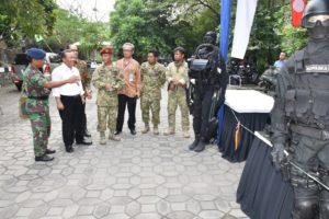 12 STAND TNI AL DIKUNJUNGI REKTOR UNIVERSITAS NEGERI  (2)
