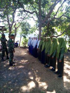 2. Babinsa Kodim 0829 Bangkalan, Latih Paskibraka di wilayah Tugas (1)