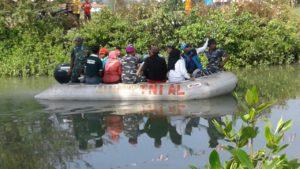 8. Kodim Bangkalan Bersama Lanal Batuporon Gelar Lomba Dayung Rubber Boat (3)