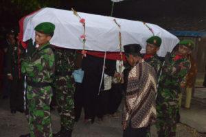Dandim 0804Magetan Pimpin Pemakaman Praka Anumerta Wahyudi  1