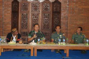 Danrem 081.DSJ Mengecek Bendungan Pengairan Dam Sungkur  Kecamatan Jambon Ponorogo  6