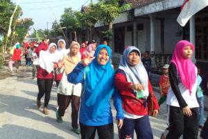 Gerak jalan santai HUT RI di Desa Madigondo (10)