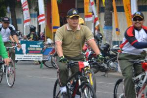 Gowes Bareng TNI, Polri dan Komponen Masyarakat (4)