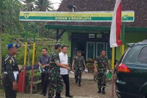 KASDAM V.BAWIJAYA TINJAU ASET TNI-AD DI PERKEBUNAN  KALIGENTONG TULUNGAGUNG 1 3