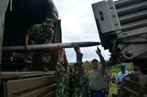 Komandan Lantamal V Hadiri Penyerahan Kendaraan Tempur Marinir MLRS Di Karang Tekok 3