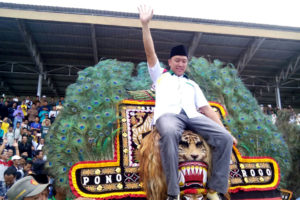 Menpora RI Membuka Turnamen Sepak Bola  Piala Bupati  Ponorogo Liga Santri Nusantara Region Jatim I Di Ponorogo 2
