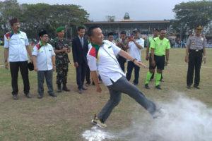 Menpora RI Membuka Turnamen Sepak Bola  Piala Bupati  Ponorogo Liga Santri Nusantara Region Jatim I Di Ponorogo 5