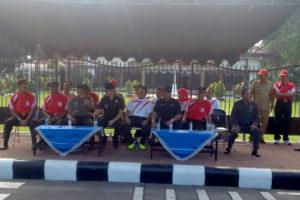 Persit KCK Kodim 0806Trenggalek Ikuti Lomba Gerak Jalan  Putri  Peringati HUT RI ke – 71 Di Trenggalek (1)