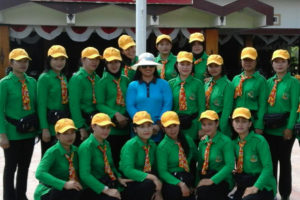 Persit KCK Kodim 0806Trenggalek Ikuti Lomba Gerak Jalan  Putri  Peringati HUT RI ke – 71 Di Trenggalek (4)