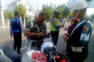 Petugas Gabungan Subdenpom V-2 Ngawi, Satlantas Polres  Ngawi dan DishubDLLAJ  Kabupaten Ngawi Gelar Gaktib. 3