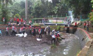 TNI-POLRI DAN MASYARAKAT KERJA BAKTI BERSAMA 1