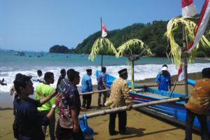 Upacara Tradisi Larung Sembonyo (1)