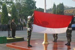 UpacaraDanrem 081.DSJ Pimpin Upacara HUT RI ke 71 Di  Makorem (5)