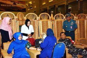 05 PERINGATI HARI TNI AL, KOARMATIM GELAR DONOR DARAH  (2)