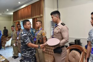 08-kasarmatim-sambut-kedatangan-delegasi-asean-cadets-sail-2016-3