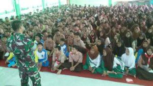 1-ratusan-siswa-sman-11-surabaya-digembleng-koramil-semampir-materi-bela-negara-1