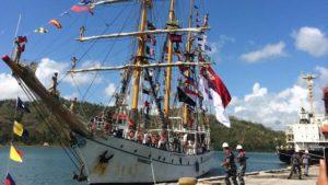 12-asean-cadet-sail-2016-bersama-kri-dewaruci-tiba-di-lombok-2