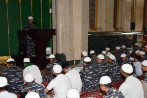12-pangarmatim-laksanakan-sholat-idul-adha-1436-h-bersama-keluarga-besar-koarmatim-di-masjid-ass-salam-1