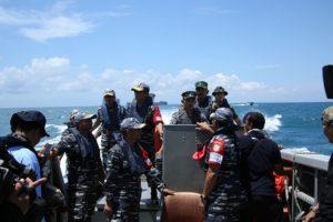 14-pangkogasfib-tinjau-latihan-armada-jaya-xxxiv2016-di-laut-4