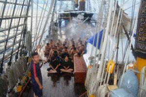 27-pelayaran-asean-cadet-sail-2016-lintasi-garis-katulistiwa-1