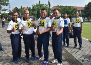 270916-personel-lantamal-v-laksanakan-samapta-1