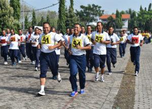 270916-personel-lantamal-v-laksanakan-samapta-3