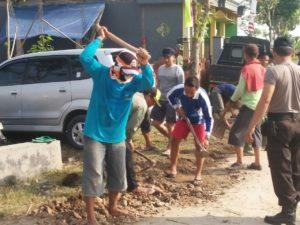 28-september-pencongkelan-dan-perataan-jalan-4