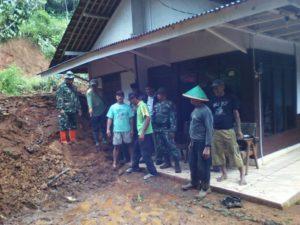 cilacap-diguyur-hujan-beberapa-wilayah-terendam-banjir-tanah-longsor-5