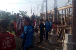 koramil-080413-bendo-karya-bhakti-membantu-pembangunan-masjid-al-mathlubin-di-mts-n-desa-tanjung-kecamatan-bendo-2