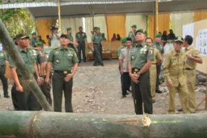 Kunjungan Pangdam V ke rumah Bpk Suwarni (2)