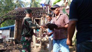 PRA TMMD, ANGGOTA TNI BERSAMA WARGA MENGAWALI RENOVASI RTLH 2