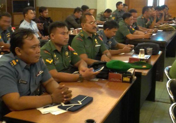 1-personel-kodim-bangkalan-mobile-training-team-mtt