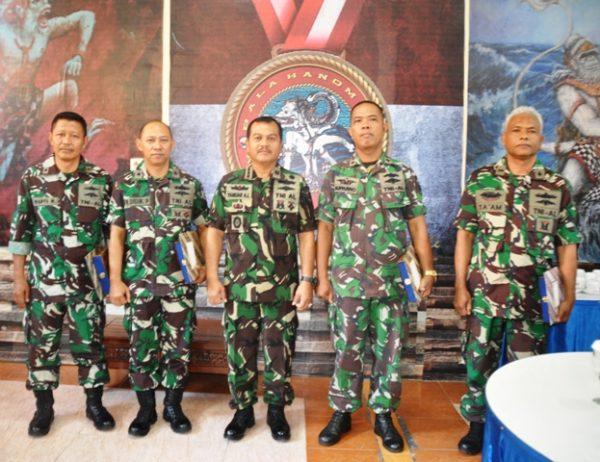 19-asintel-pangarmatim-lepas-empat-prajuritnya-3