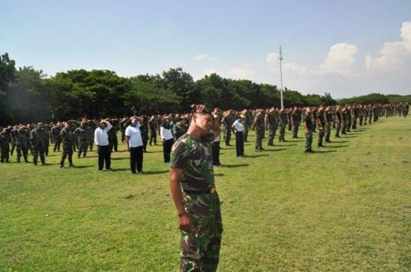 19-prajurit-koarmatim-laksanakan-lari-siang-bersama-1